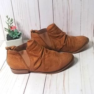 City Classified Ankle Booties Shoes Tan Size 7